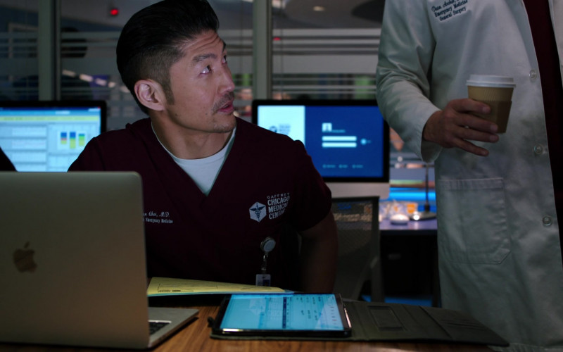 Apple MacBook Laptop of Cast Member Brian Tee as LCDR Dr. Ethan Choi in Chicago Med S06E09 TV Show