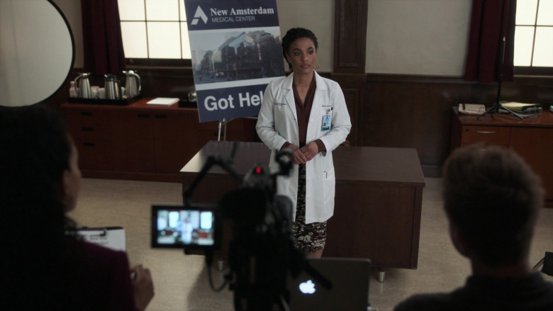 Apple MacBook Laptops Used by Freema Agyeman as Dr. Helen Sharpe in New Amsterdam S03E03 TV Show (2)
