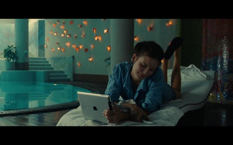 Apple iPad Tablet in Taken 2 (2012)