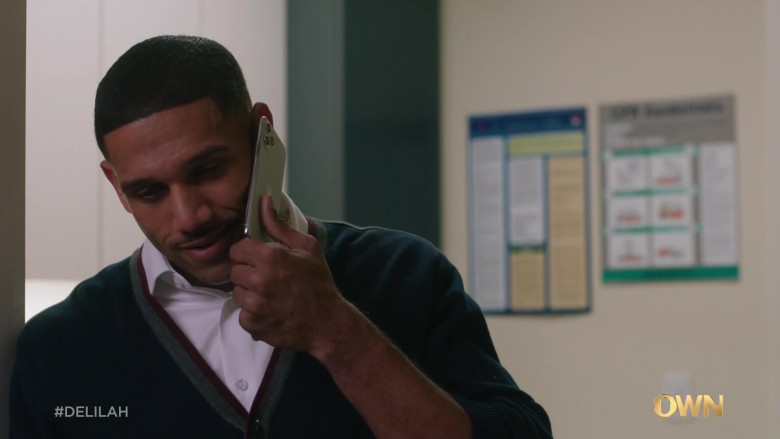 Apple iPhone Smartphone in Delilah S01E04 Andre (2021)