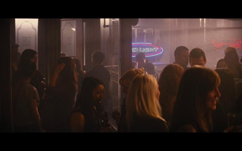 Bud Light neon sign in Jack Reacher (2012)