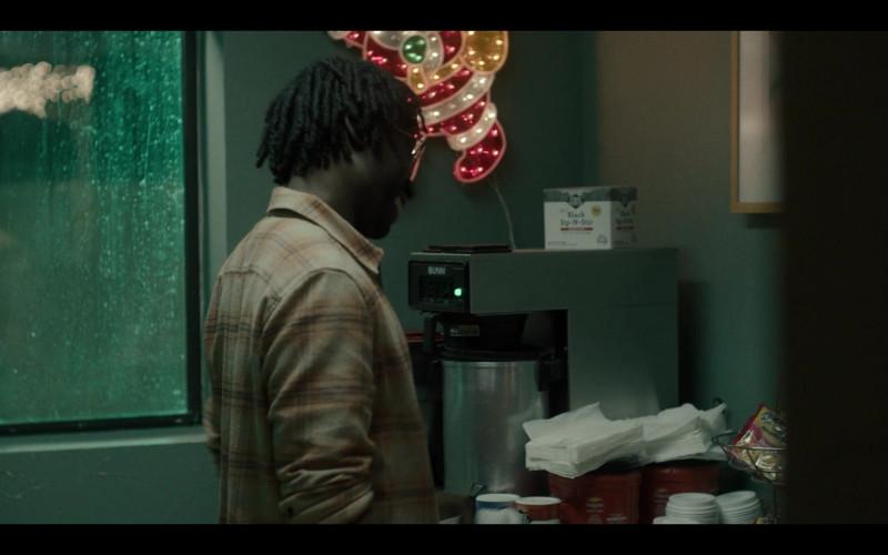 Bunn Coffee Machine, First Street Black Sip-N-Stir, Folgers Coffee in Generation S01E07 Desert Island (2021)