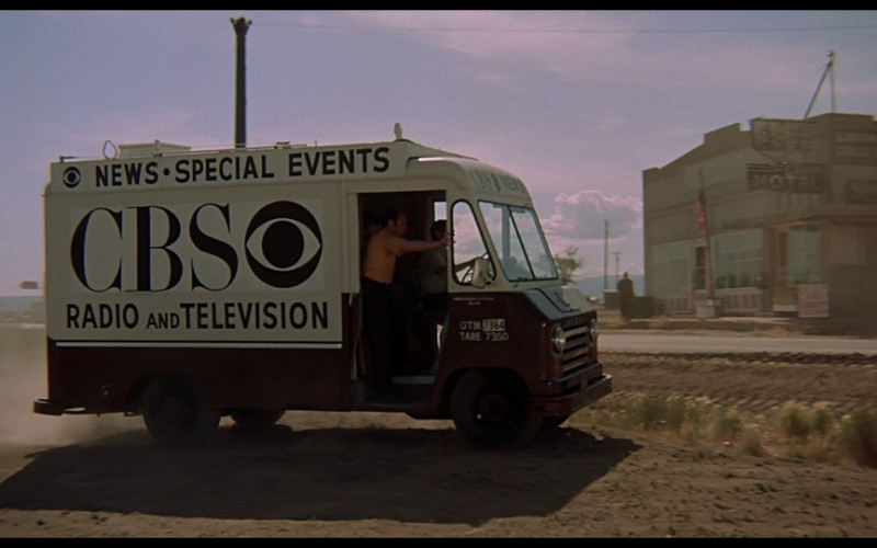 CBS Radio and Television Channel Truck in Vanishing Point (1971)