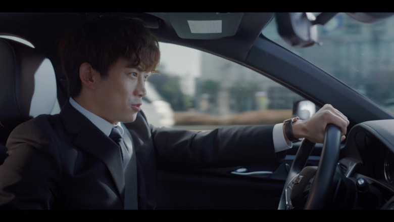 Cadillac CT6-V Black Car in Vincenzo S01E07 Korean TV Show by Netflix (2)