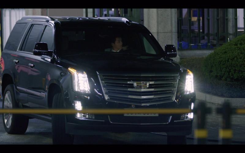 Cadillac Escalade SUV in Vincenzo S01E07 (1)