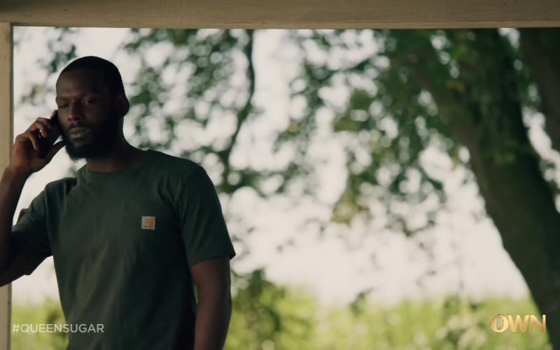 Carhartt Men's T-Shirt of Kofi Siriboe as Ralph Angel Bordelon in Queen Sugar S05E03 TV Show (2)