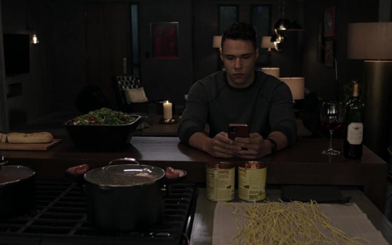 Cento Fine Foods in 9-1-1 Lone Star S02E08 Bad Call (2021)