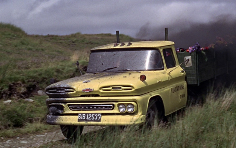 Chevrolet C-30 Apache Yellow Truck in From Russia with Love