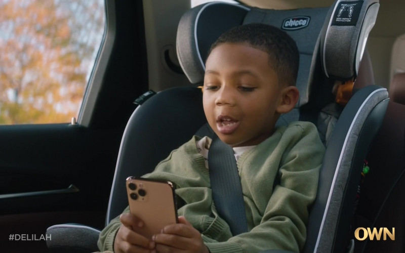 Chicco Car Seat For Toddler in Delilah S01E01 Everything to Everybody (2021)