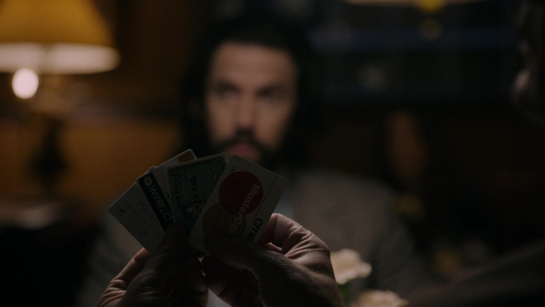 Citibank and Mastercard Cards in This Is Us S05E10 I've Got This (2021)