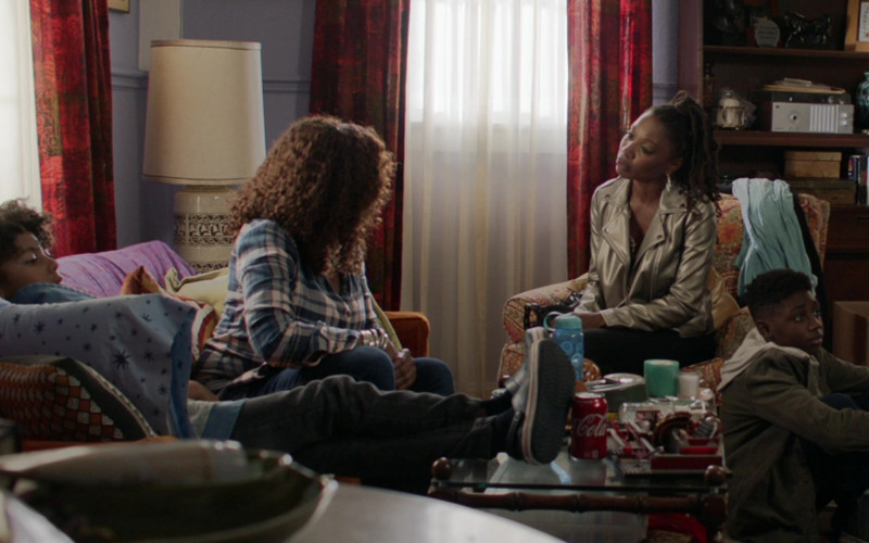 Coca-Cola Soda Can in Shameless S11E07 Two at a Biker Bar, One in the Lake (2021)