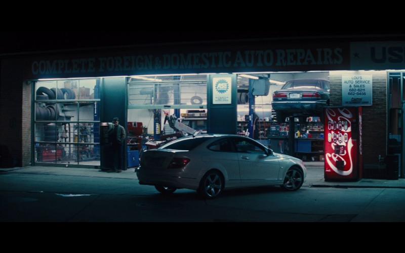 Coca-Cola vending machine in Jack Reacher (2012)