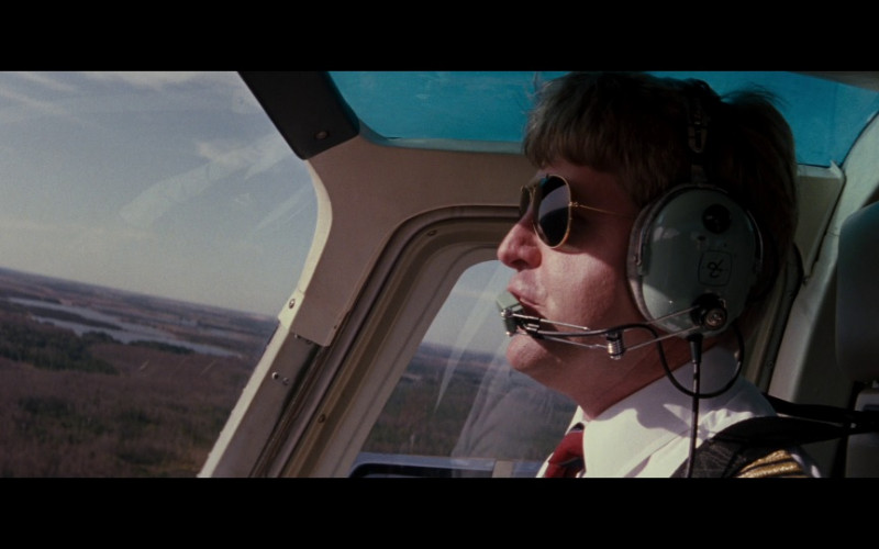 David Clark Aviation Headset in Passenger 57 (1992)