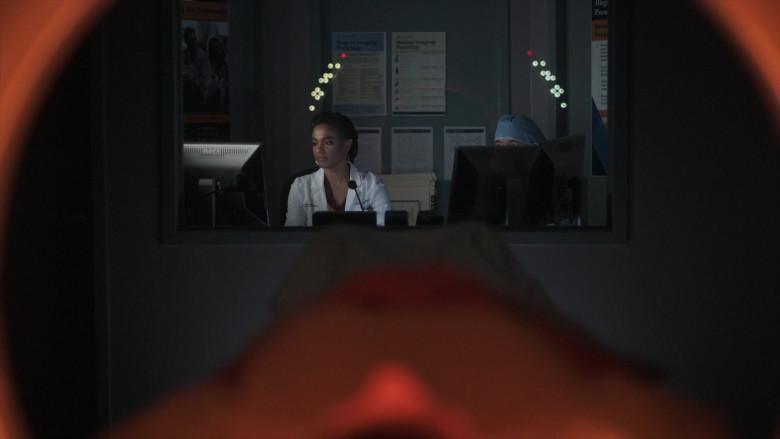 Dell Monitor in New Amsterdam S03E03 (2)