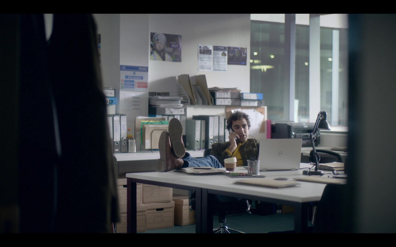 Dell Notebook in The One S01E05 (2021)