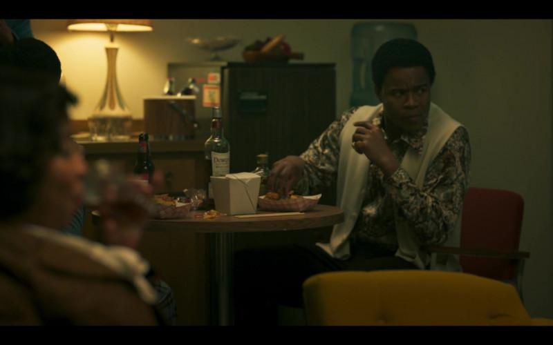Dewar's Whisky Bottle in Genius Aretha S03E05 TV Show (3)