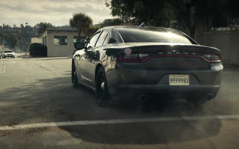 Dodge Charger Cars in S.W.A.T. S04E10 TV Series (1)