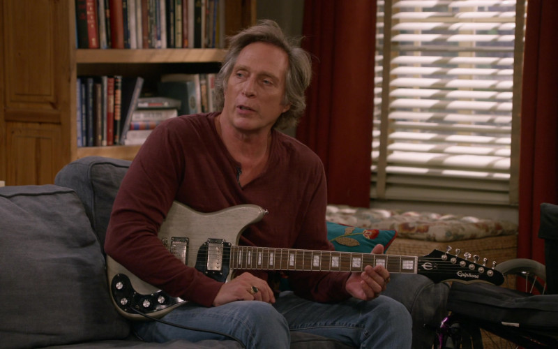 Epiphone Guitar Used by William Fichtner as Adam Janikowski in Mom S08E11 TV Show (2)