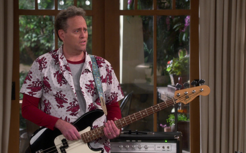 Fender Guitar in The Neighborhood S3E11 Welcome to the Dad Band (2021)