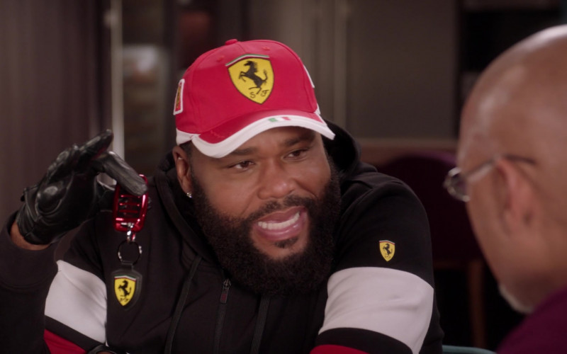 Ferrari Car Keys and Outfit of Cast Member Anthony Anderson as Andre 'Dre' Johnson in Black-ish S07E16 100 Yards and Runnin'