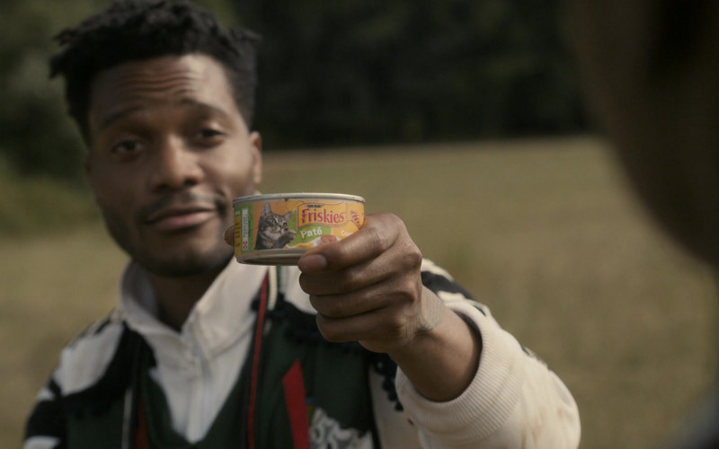 Friskies Cat Food Held by Jermaine Fowler as Lavelle Junson in Coming 2 America (2021)