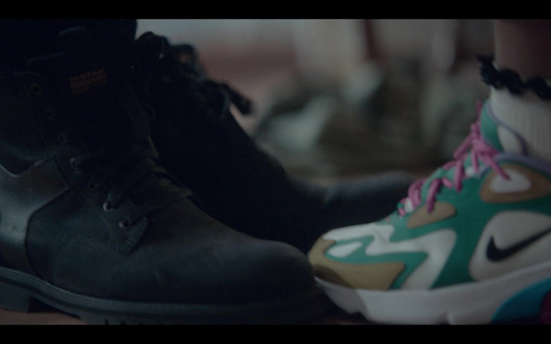 G-Star Raw Men's Boots and Nike Women's Sneakers in The One S01E05 (2021)