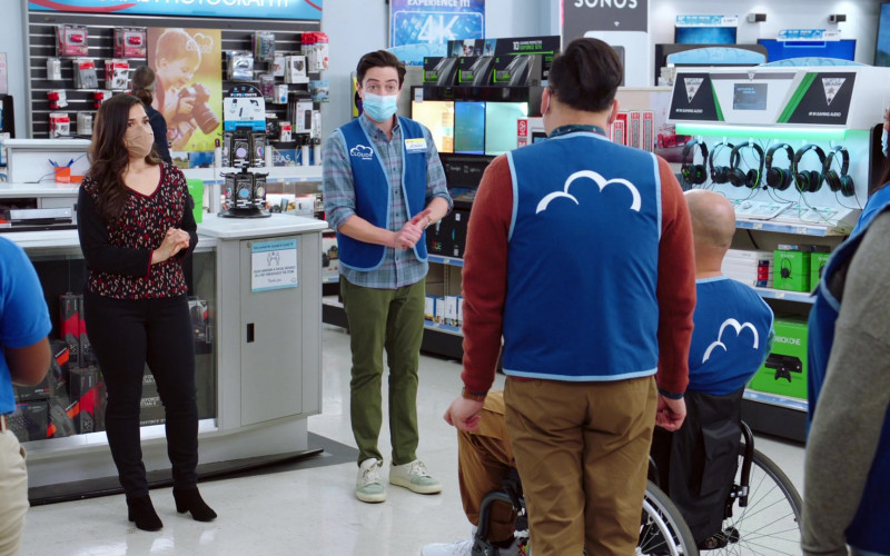 GeForce GTX, Turtle Beach Gaming Headsets, Xbox One in Superstore S06E14 Perfect Store (2021)
