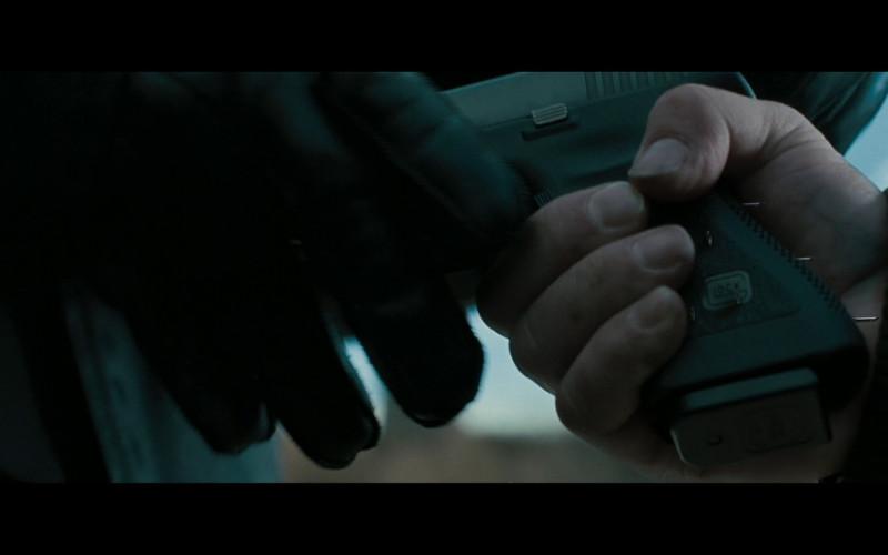 Glock 17 pistol in Law Abiding Citizen (2009)