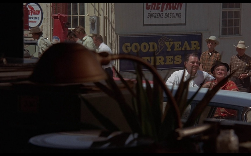 Goodyear & Chevron in Vanishing Point (1971)