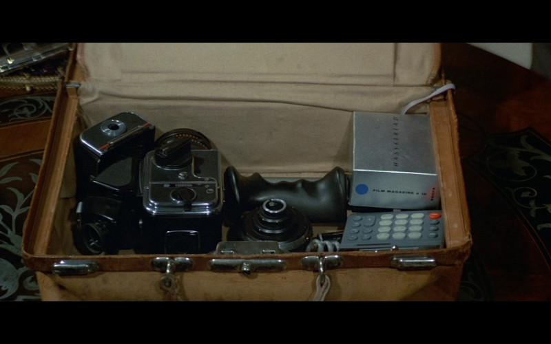 Hasselblad Camera in Licence To Kill (1989)