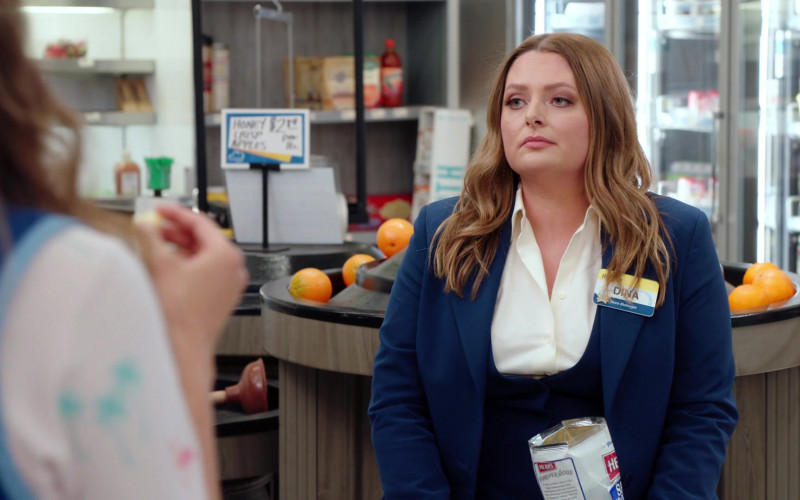 Herr's Snack Enjoyed by Lauren Ash as Dina Fox in Superstore S06E15 All Sales Final (2021)