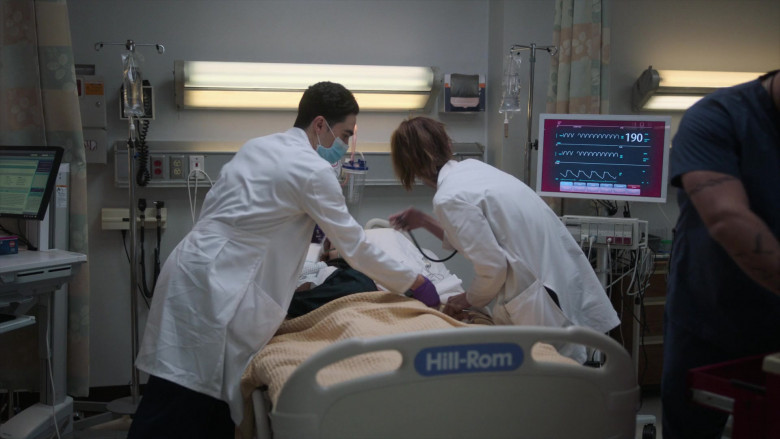 Hill-Rom Hospital Bed in New Amsterdam S03E03 (2)
