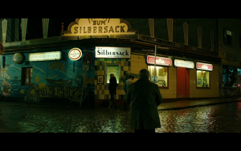 Holsten & Astra Neon Signs in A Most Wanted Man (2014)