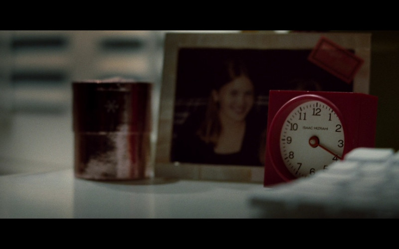 Isaac Mizrahi alarm clock in Taken (2008)