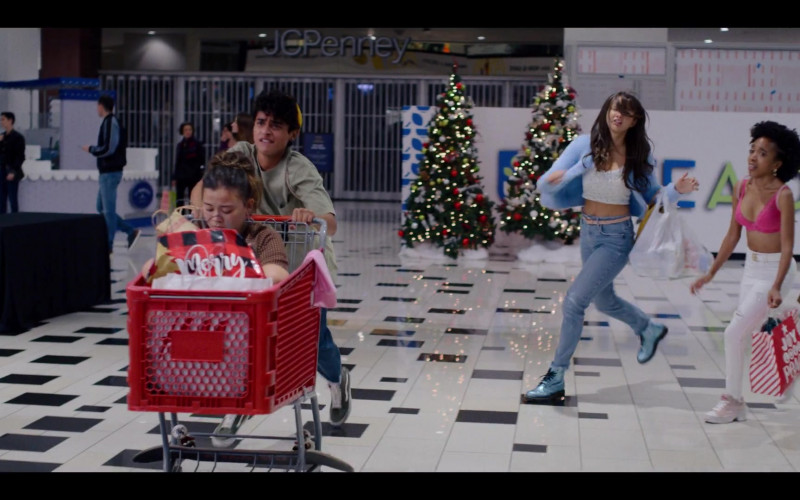 JCPenney Store in Generation S01E05 Gays and Confused (2021)