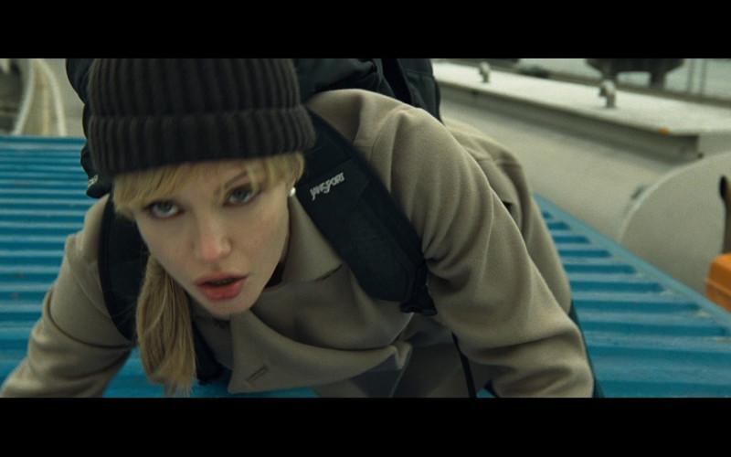 Jansport Exchange backpack of Angelina Jolie as Evelyn in Salt (2010)