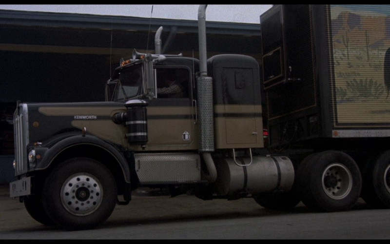 Kenworth W-900 A Truck in Smokey and the Bandit (1)