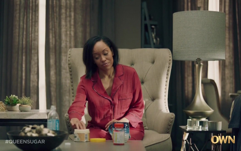 LEVEL Ultra-Purified Water+ Bottle in Queen Sugar S05E07 (1)