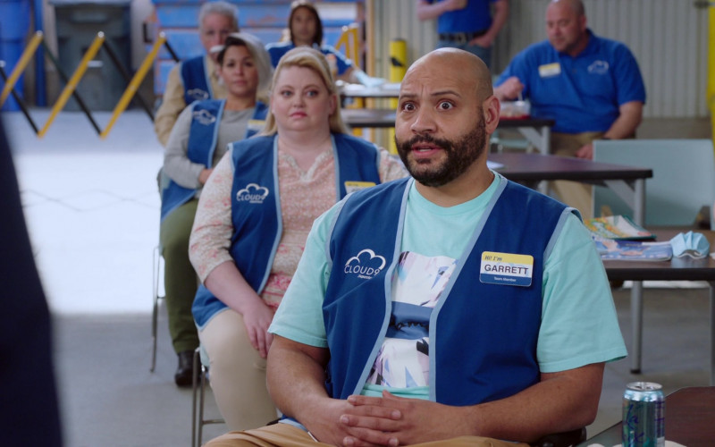 LaCroix Drink of Colton Dunn as Garrett McNeil in Superstore S06E12 Customer Satisfaction (2021)
