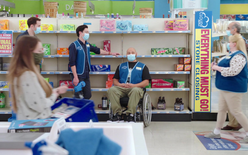 LaCroix, Shasta, Mtn Dew, Pepsi, Diet Brisk, Big Red, 7up in Superstore S06E15 All Sales Final (2021)
