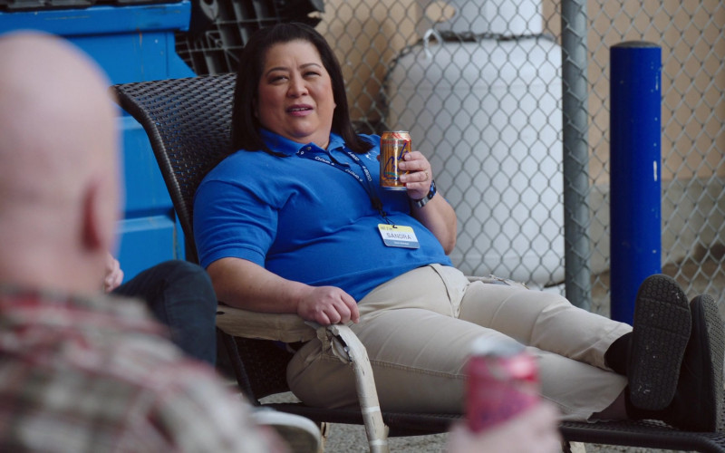 Lacroix Drink of Kaliko Kauahi as Sandra Kaluiokalani in Superstore S06E12 Customer Satisfaction (2021)