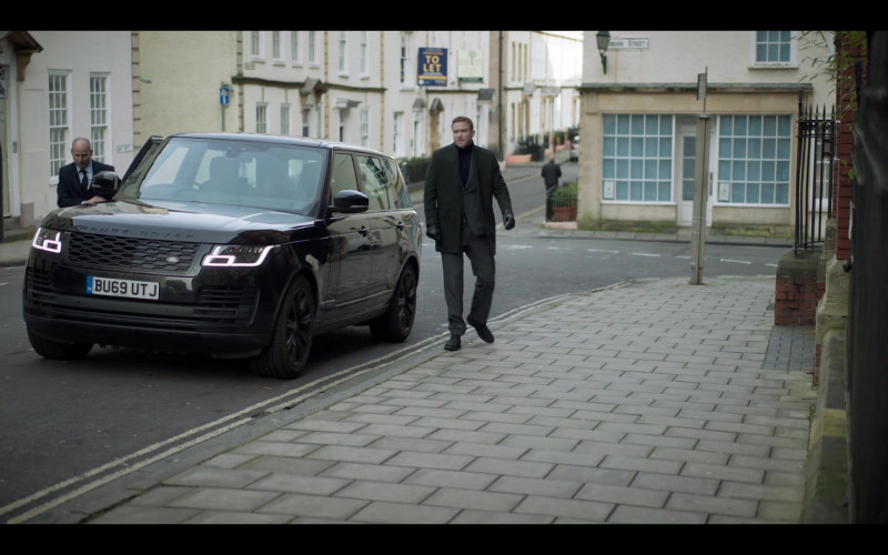 Land Rover Range Rover Black SUV in The One S01E07 (2021)