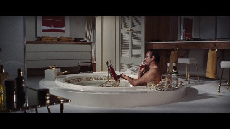 Martini & Rossi Bottles in Diamonds Are Forever Movie (2)