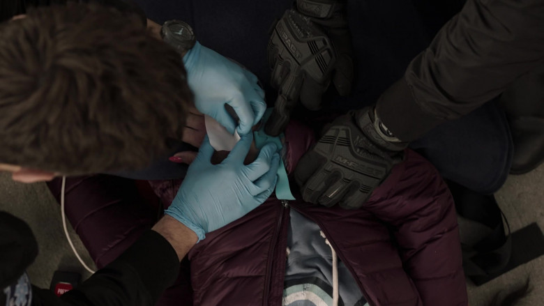 Mechanix Wear M-Pact Gloves in 9-1-1 Lone Star S02E07 Displaced (2021)