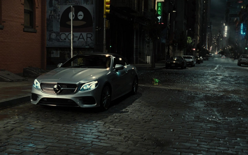 Mercedes-Benz C-Class Convertible Car in Zack Snyder's Justice League Movie (1)