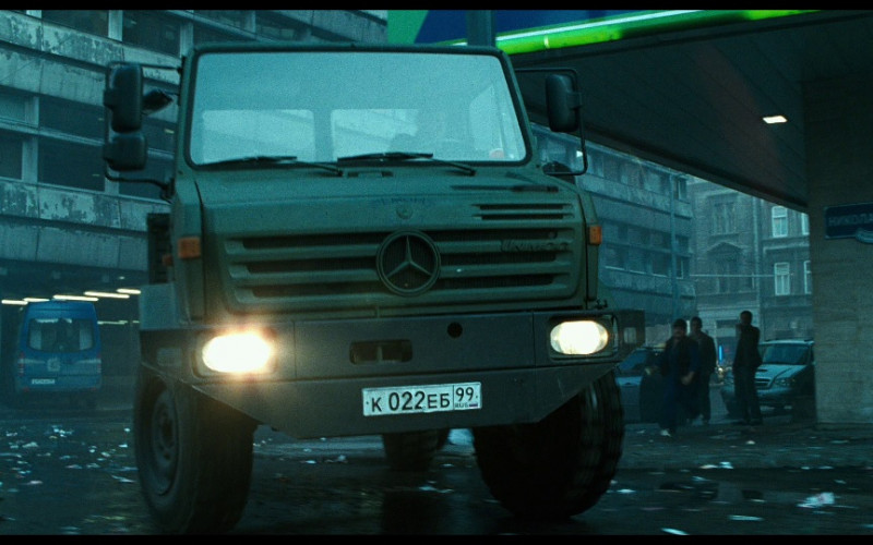 Mercedes-Benz Unimog U1300 in A Good Day to Die Hard (2013)