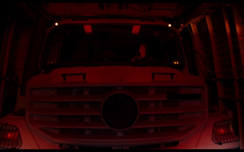Mercedes-Benz Zetros Car in A Good Day to Die Hard (2013)