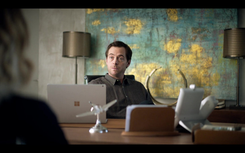 Microsoft Surface Notebook in The One S01E07 (2021)