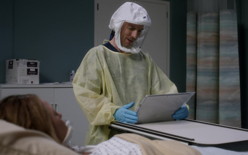 Microsoft Surface Tablet Held by Actor in Grey's Anatomy S17E08 It's All Too Much (2021)