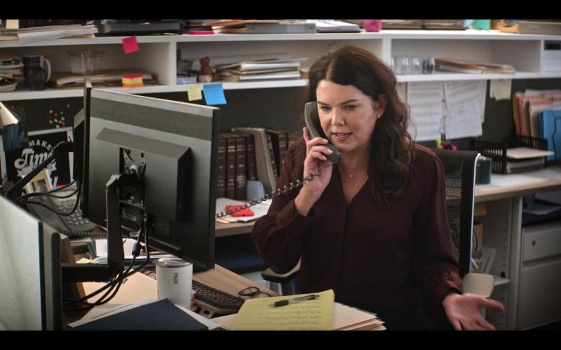 Miir Tumbler of Lauren Graham as Alex Morrow in The Mighty Ducks Game Changers S01E01 (1)